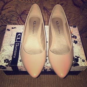 Brand New Chinese Laundry Nude Flats